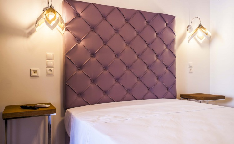 Ground Suite double room double bed third picture